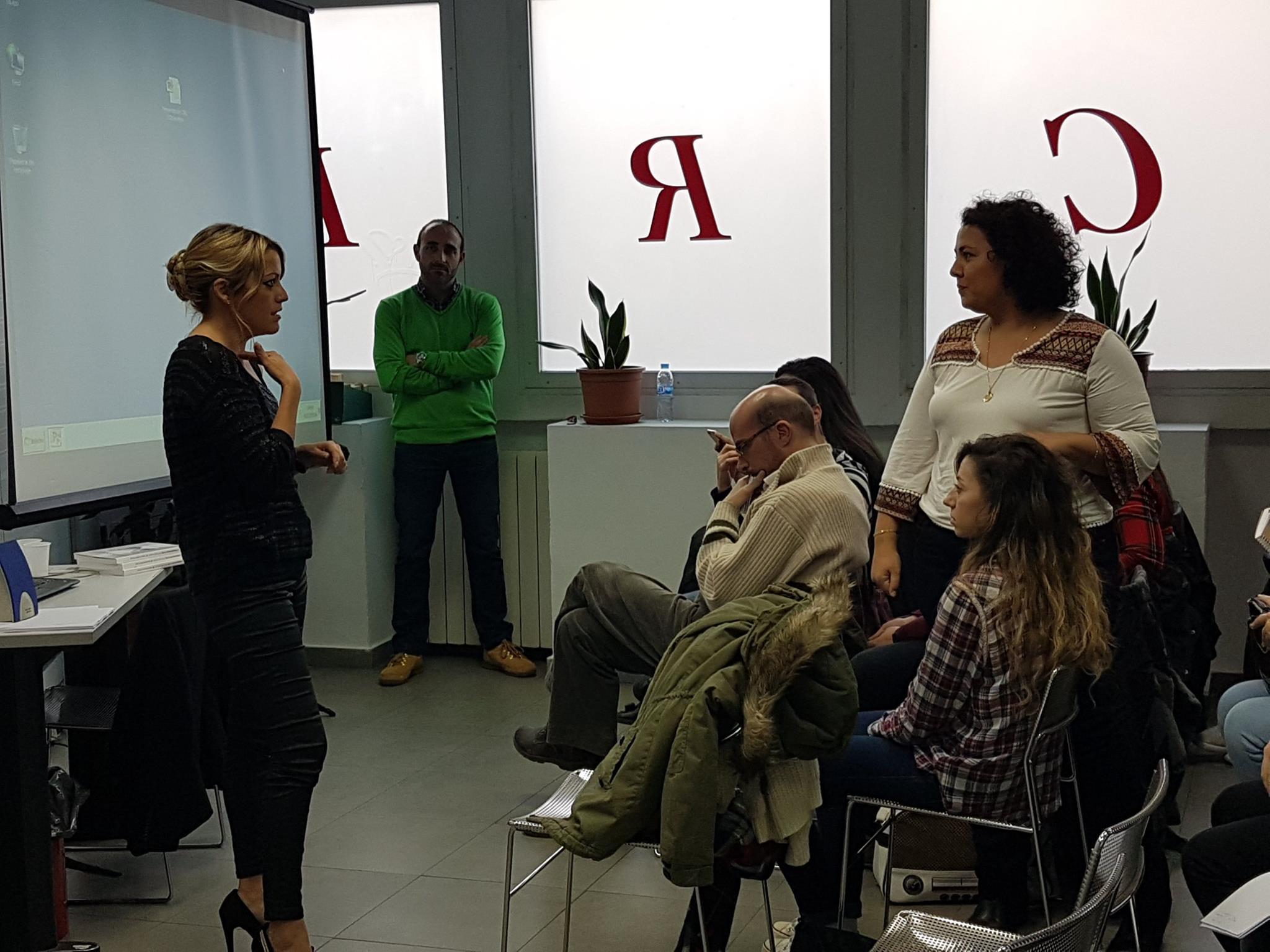 conferencia feminización de la voz logopedas madrid