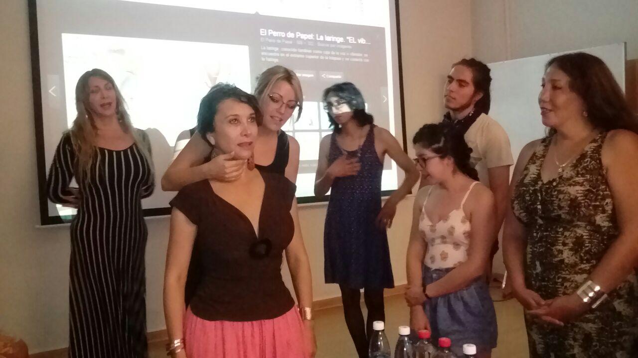 fonoaudióloga-chile-feminización-de-la-voz