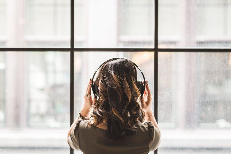 Feminiza tu voz con sesiones por Skype