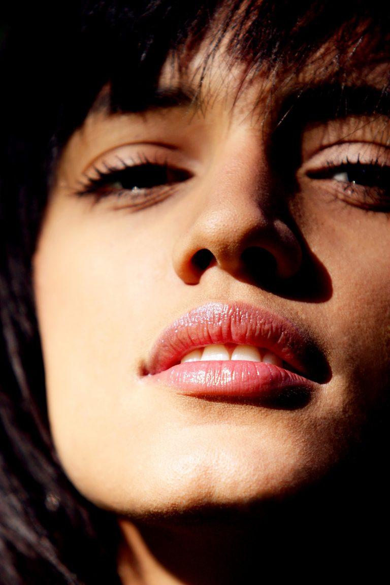Voz de cabeza y feminización de la voz de la mujer transgénero