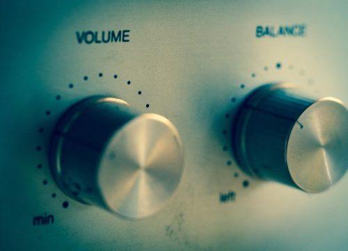 Le volume et la féminisation de la voz